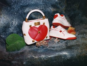 valentino_qixi_handbag_sneaker_red_heart