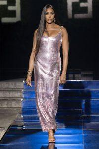 黑珍珠Naomi Campbell 為 FENDACE「FENDI BY VERSACE」壓軸